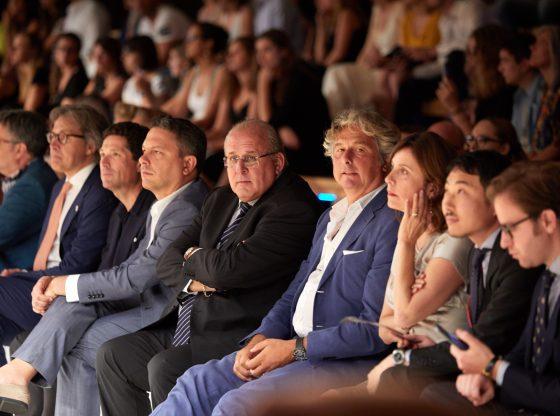 Marzotto assiste alla sfilata, alla sua destra Bini, Jacopo Etro. Alla sua sinistra Tommaso Bruso', COO Benetton e Ziberna.